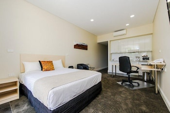 Picture of Belconnen Way Hotel Motel and Serviced Apartments in Hawker
