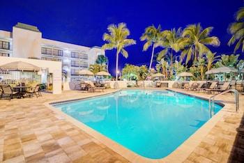 Picture Of Boca Raton Plaza Hotel Suites In