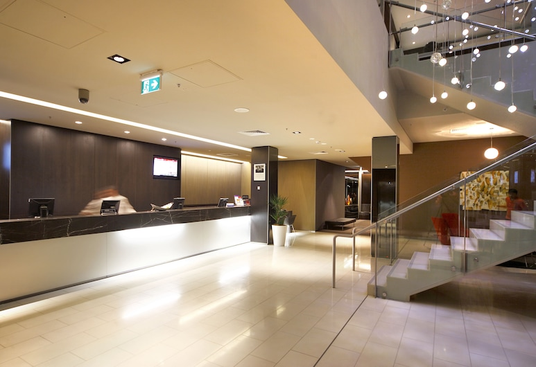 Novotel Canberra, Canberra, Lobby
