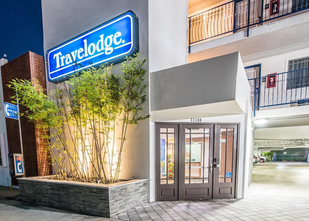 Travelodge Culver City Interior Entrance