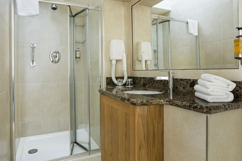 Семейный четырехместный номер - Ванная комната