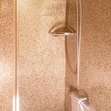Paaugstināta komforta vienvietīgs numurs, 1 divguļamā karaļa gulta - Vannasistabas duša