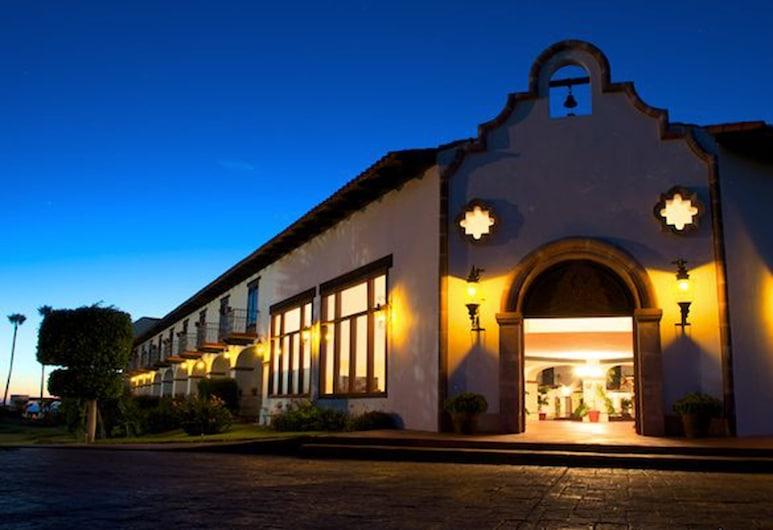 Hacienda Bajamar Golf Resort, Сальсипуэдес