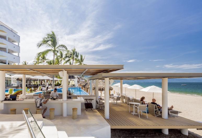 Villa Premiere Boutique Hotel & Romantic Getaway, Puerto Vallarta, Poolside Bar