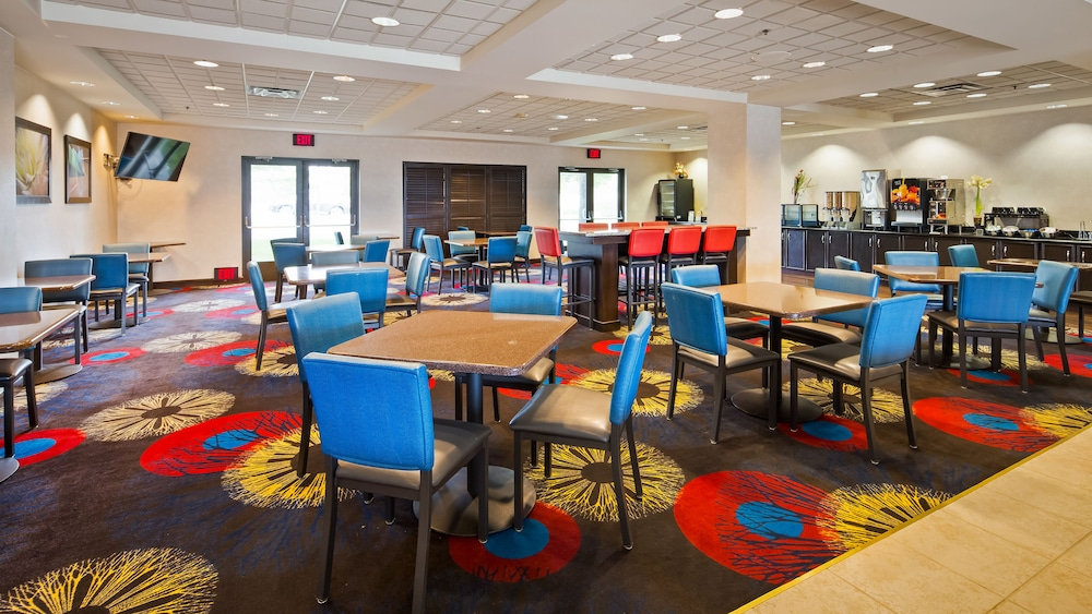 Book Best Western Regency Plaza Hotel St Paul East In Oakdale Hotels
