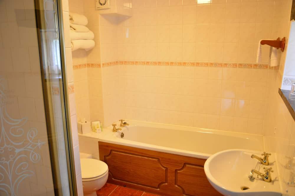 Standardværelse med 2 enkeltsenge (single occupancy) - Dybt badekar