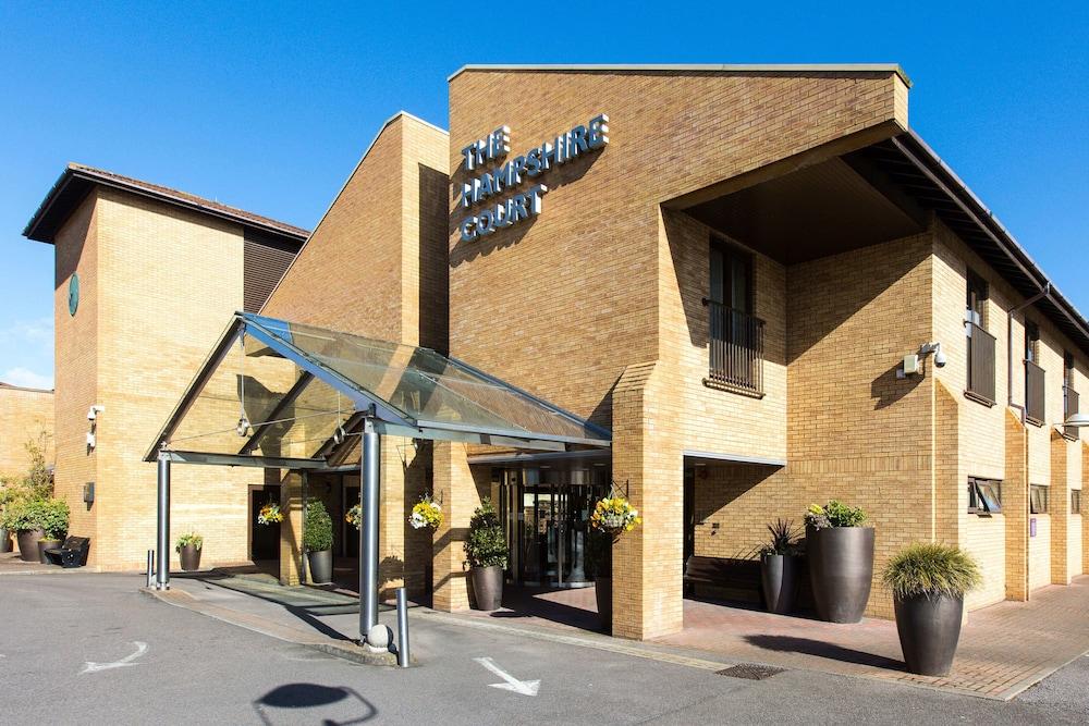 The Hampshire Court Hotel Basingstoke Interior Entrance
