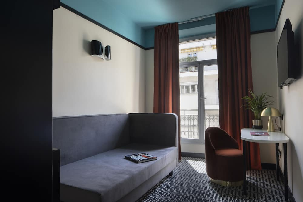 Quarto executivo, 1 cama Queen, para não fumantes (with Single Sofabed) - Sala