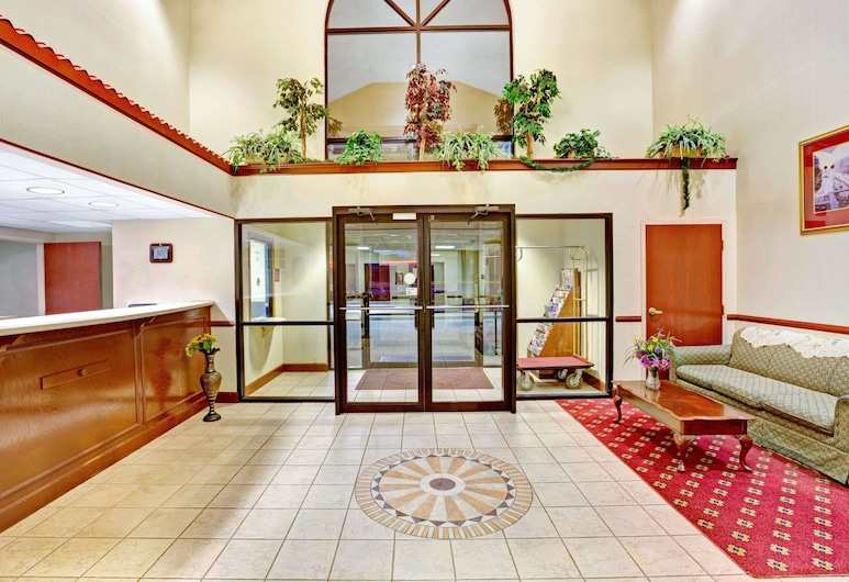 Days Inn & Suites by Wyndham Louisville SW, Louisville, Lobby