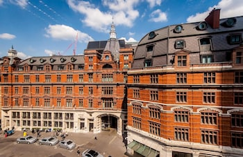 Book this 5 star hotel in London