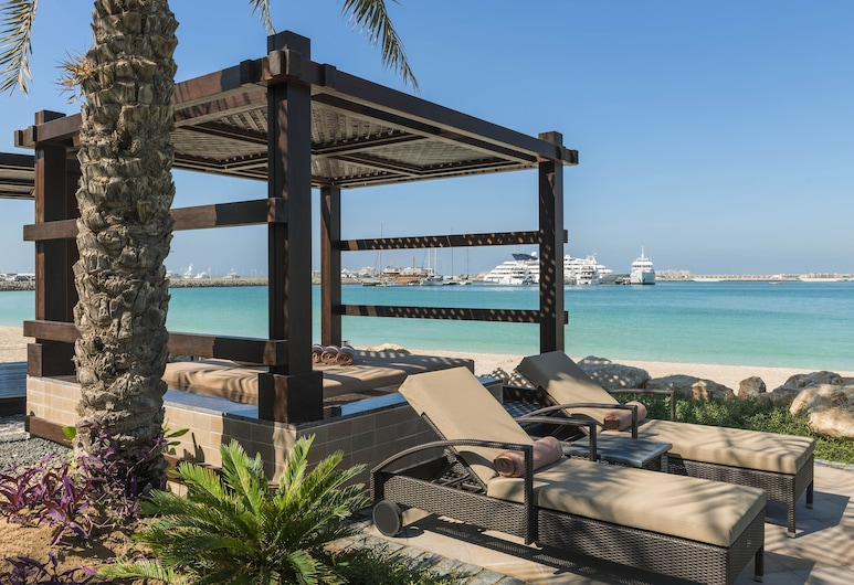 Le Meridien Mina Seyahi Beach Resort & Marina, Dubaj, Pláž