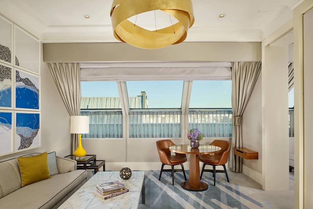 Executive Suite, 1 Bedroom  - Вітальня