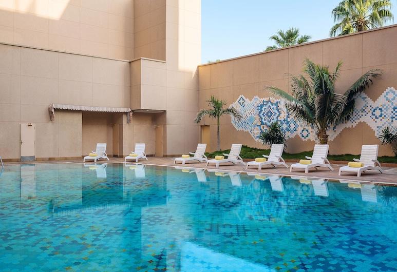 Le Meridien Jeddah, Jeddah, Piscina