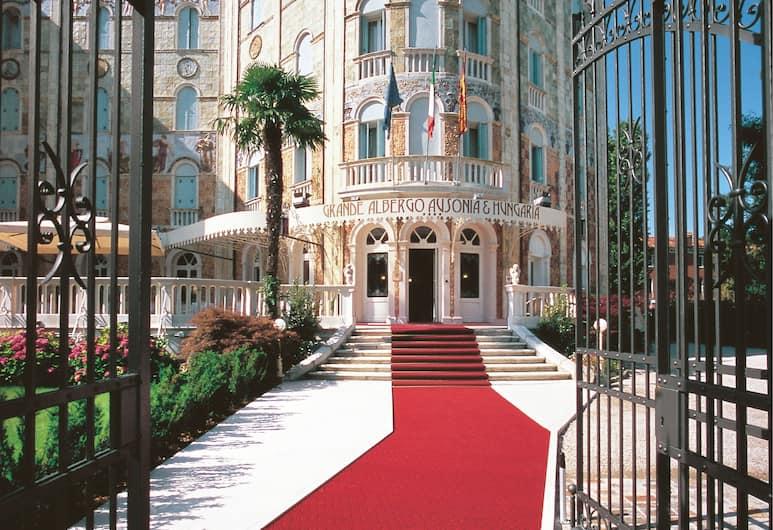 오소니아 헝가리, 베네치아, 호텔 입구