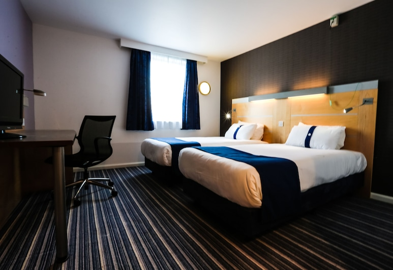Holiday Inn Express Birmingham - Castle Bromwich, Birmingham, Room, 2 Single Beds, Non Smoking, Guest Room