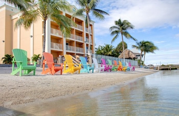Fort Pierce bölgesindeki Hutchinson Island Plaza Hotel and Suites resmi