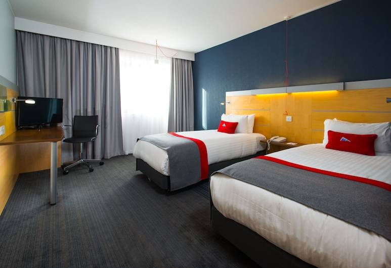 Holiday Inn Express Leeds City Centre, Leeds, Room, 2 Single Beds, Accessible, Non Smoking (Wheelchair), Guest Room