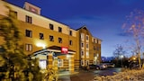 Choose This Famille Hotel in Lincoln - Online Room Bookings