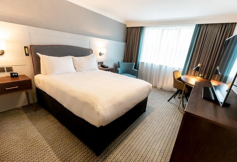 DoubleTree by Hilton St. Anne's Manor, Wokingham, Deluxe-Zimmer, 1King-Bett, Zimmer