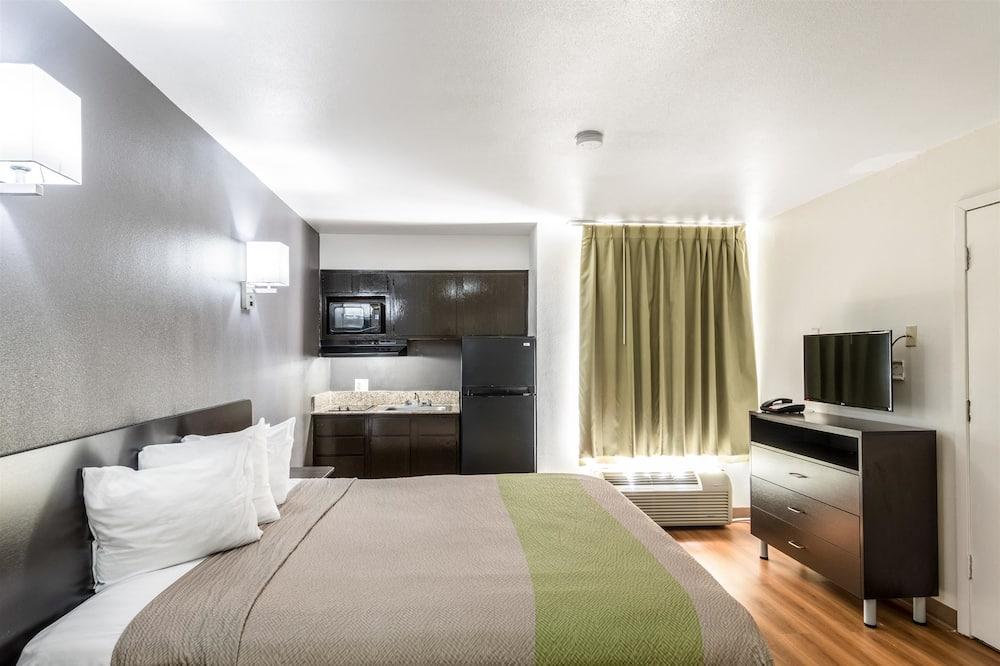 Номер «Делюкс», 1 двуспальная кровать «Кинг-сайз», для некурящих, мини-кухня - Мини-кухня в номере