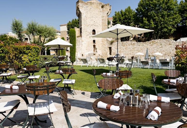 Hotel Aquabella, Aix-en-Provence, Stravovanie vonku