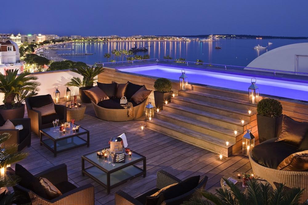 Hôtel Barrière Le Majestic, Cannes, Gjesterom