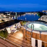Rooftop Suite Les Trois Rois (or Presidential Suite) - Private spa tub