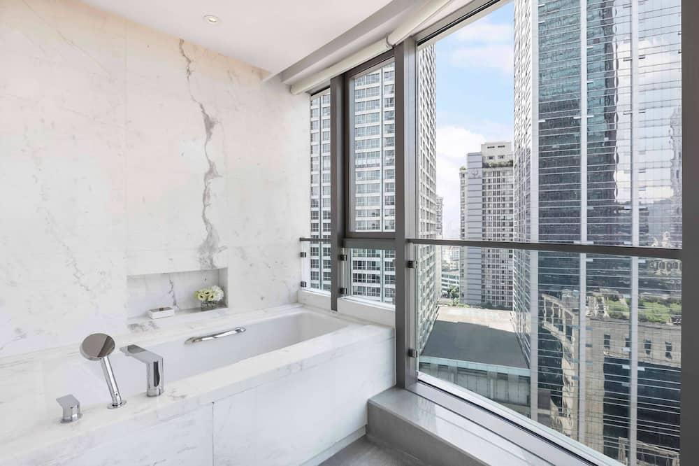 City Apartment, 3 Bedrooms, Non Smoking, City View - Bathroom