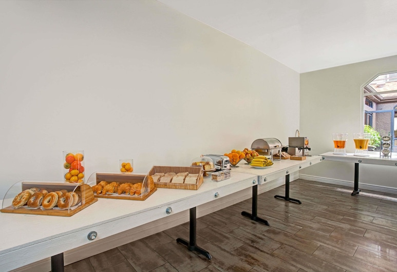 Ramada by Wyndham Los Angeles/Downtown West, Los Angeles, Sala colazione