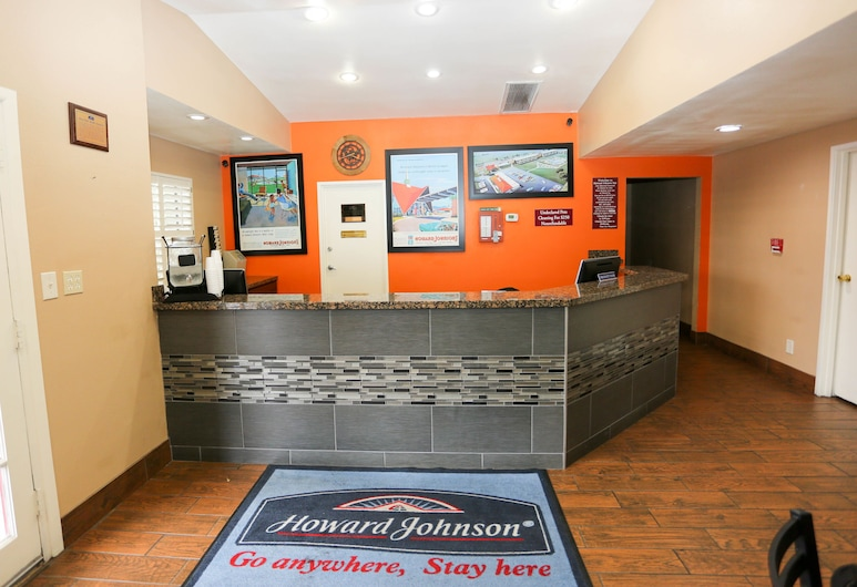 Howard Johnson by Wyndham Flagstaff I-40 East Lucky Lane, Flagstaff, Meja Sambut Tetamu
