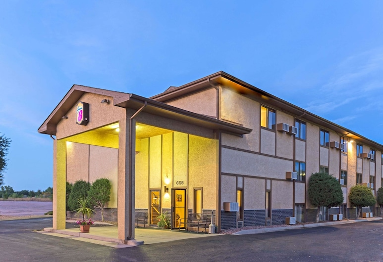 Super 8 by Wyndham Cos/Hwy. 24 E/PAFB Area, Colorado Springs