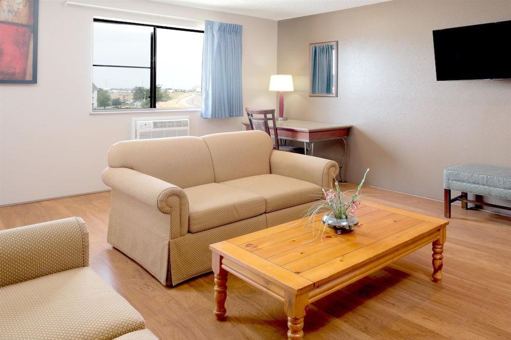 Studio suite, 1 king size krevet i kauč na rasklapanje, za nepušače, hladnjak - Dnevni boravak