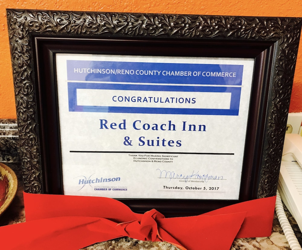 Book red coach inn suites hutchinson in hutchinson hotels jeuxipadfo Gallery