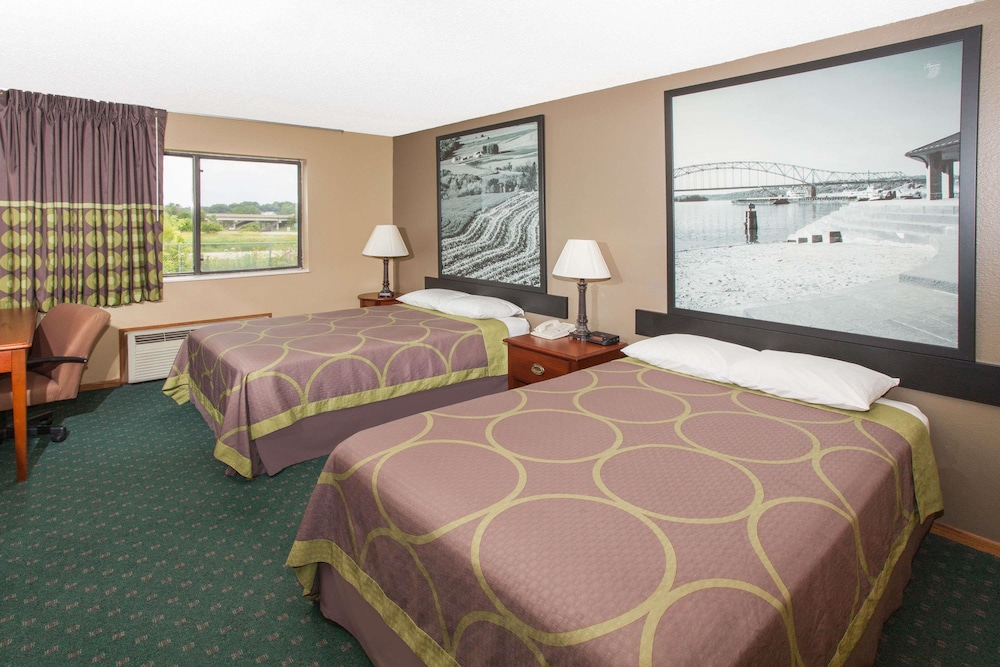 Super 8 By Wyndham Anamosa Ia Double Room 2 Beds