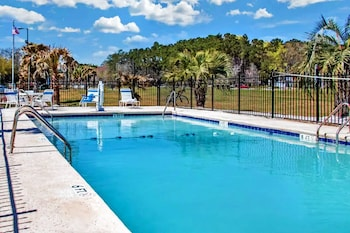 Bild vom SureStay Plus Hotel by Best Western Savannah I95 in Savannah