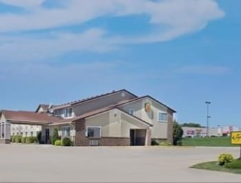 Picture of Super 8 Charles City ID in Charles City