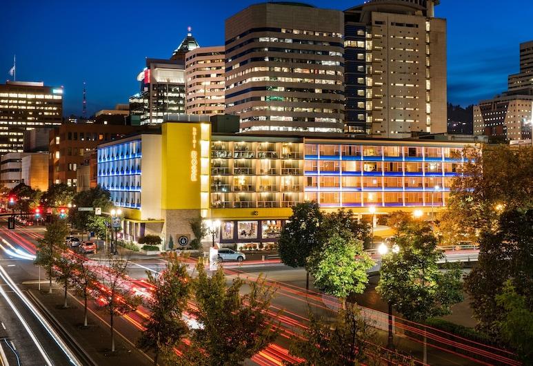 Staypineapple, Hotel Rose, Downtown Portland, Portland
