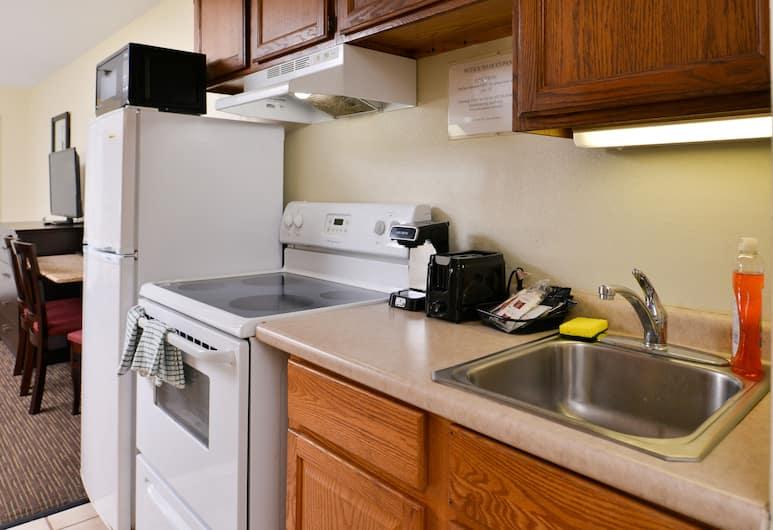 Royal Clipper, Virginia Beach, Suite (Efficiency), In-Room Kitchen