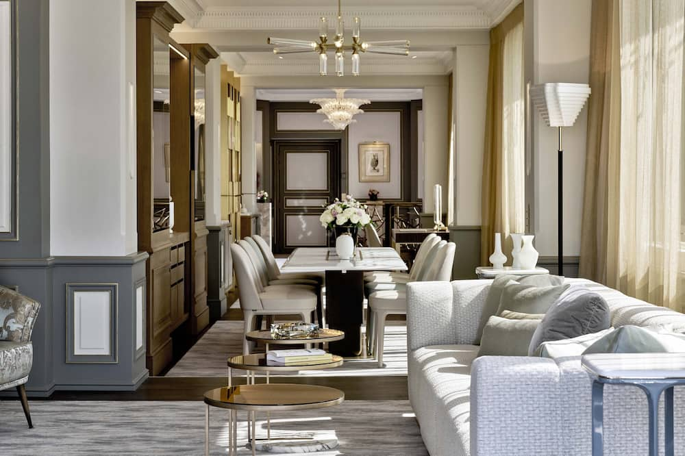 Penthouse, 1 King Bed (Belle Etoile) - Living Room