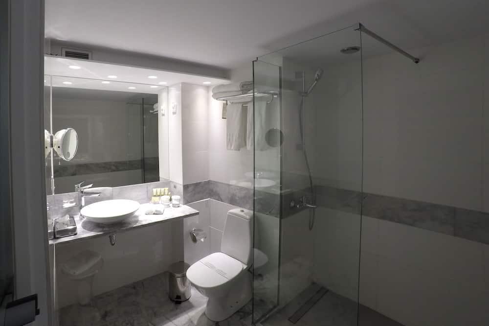Superior Double or Twin Room (Acropolis View) - Bathroom