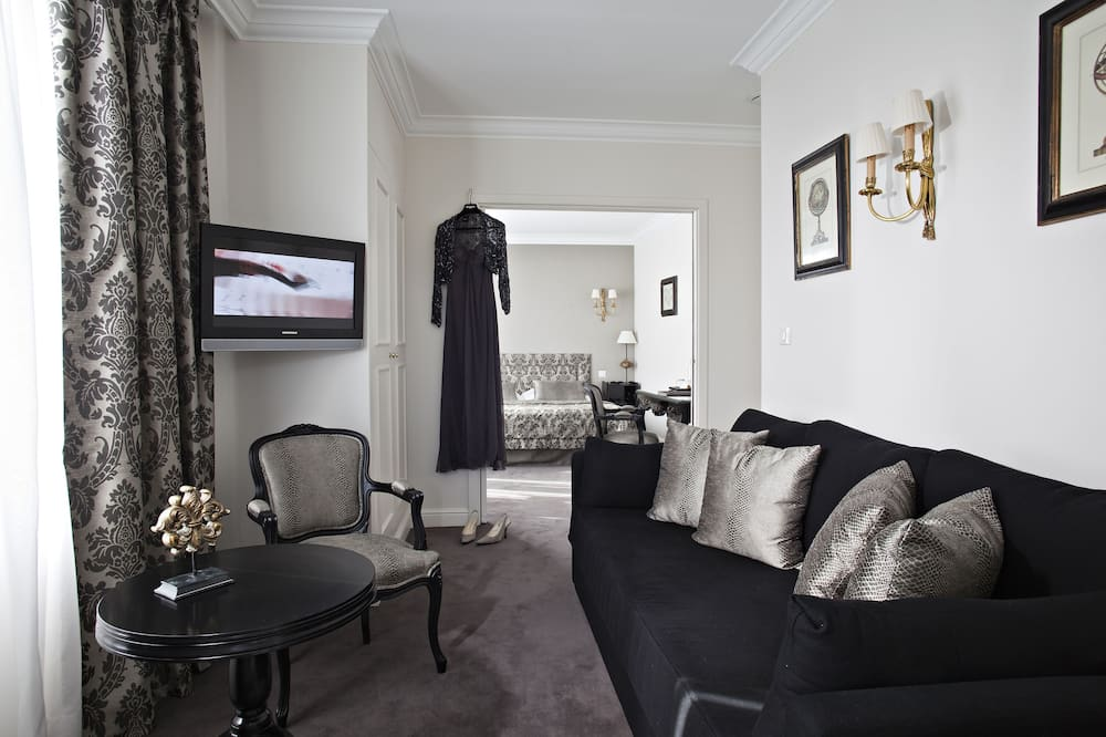 Suite, 1 Katil Raja (King), Non Smoking (Living Room;with Sofabed) - Ruang Tamu