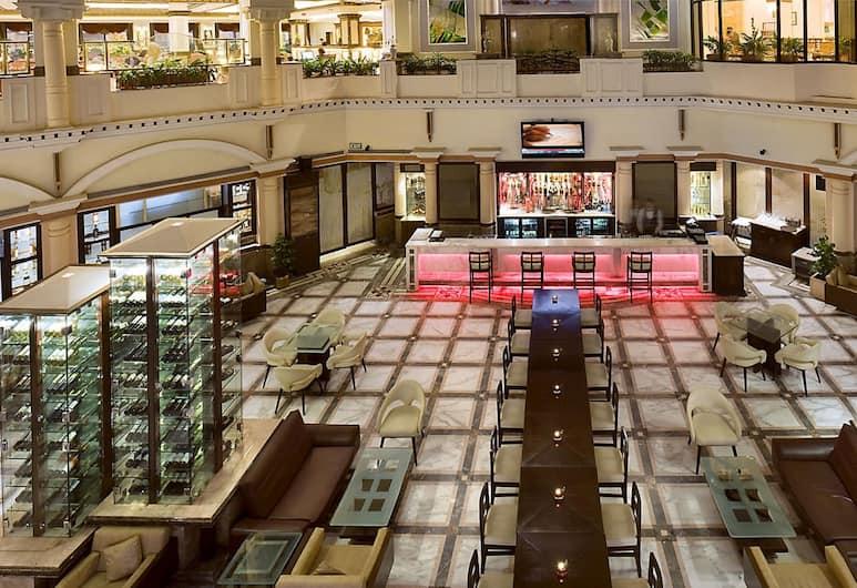 The Suryaa New Delhi, New Delhi, Hotel Bar