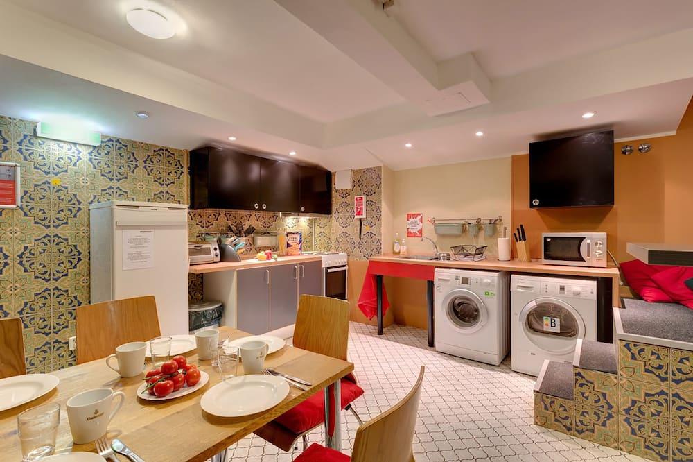 Vierbettzimmer - Gemeinschaftsküche