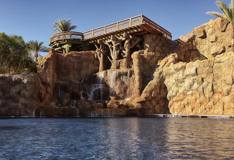 Sheraton Sharm Hotel, Resort, Villas & Spa, Sharm el Sheikh, Sundlaug