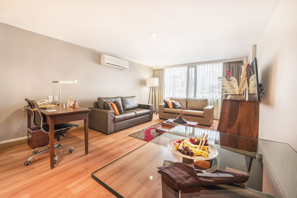 Business Suite, 1 King Bed with Sofa bed, Balcony - Living Area