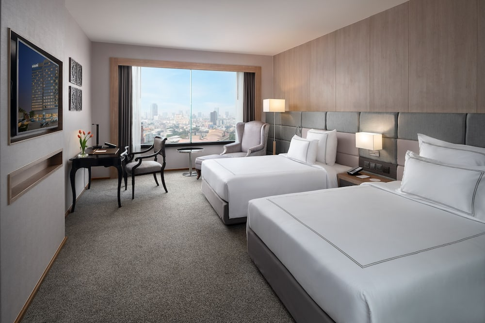 Swiss, Premier Room, 1 King Bed - City View