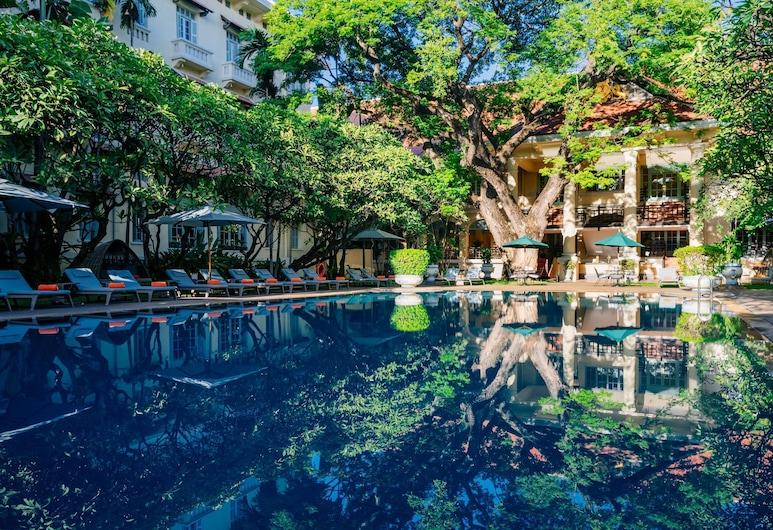 Raffles Hotel Le Royal, פנום פן, בריכה