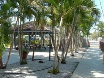 Foto Lantern Inn & Suites di Sarasota