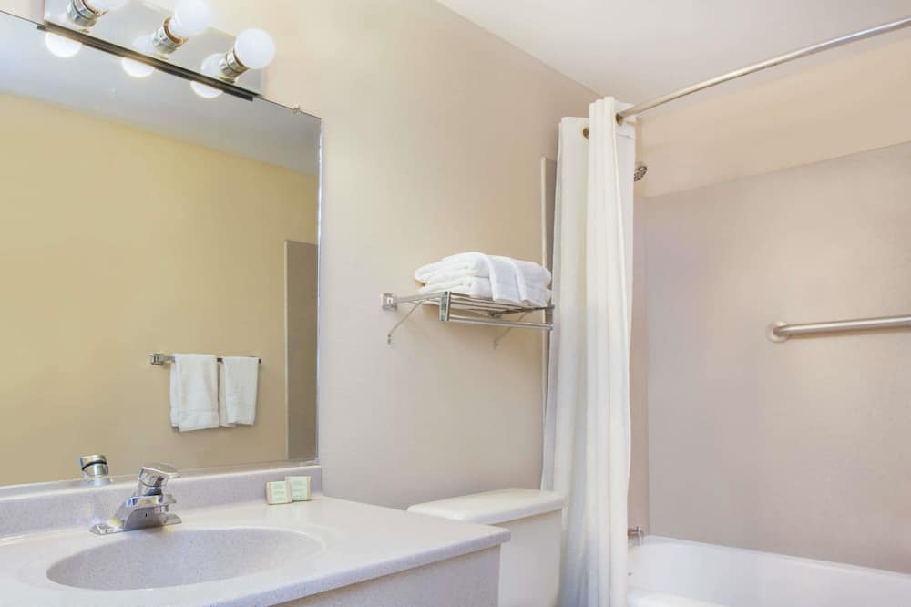 Camera doppia, 2 letti matrimoniali - Bagno