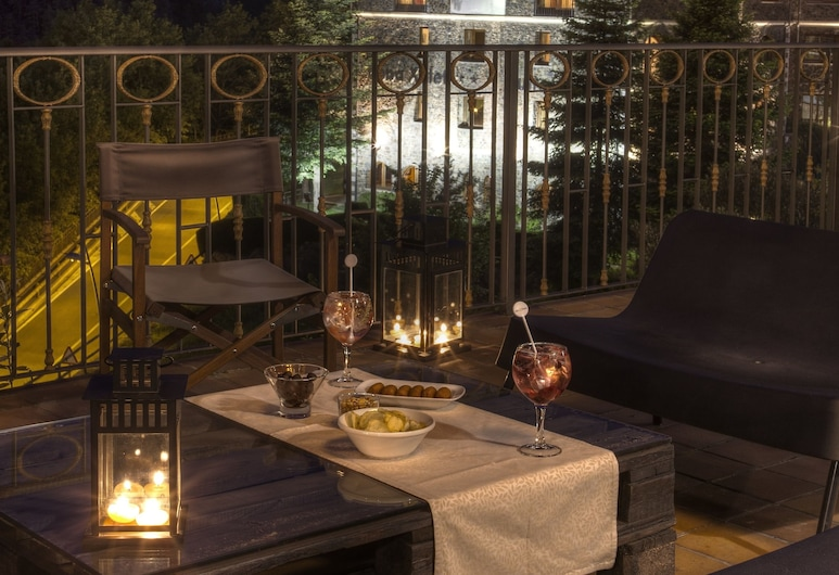 Abba Xalet Suites Hotel 4*Superior, Sispony, Hotelový bar